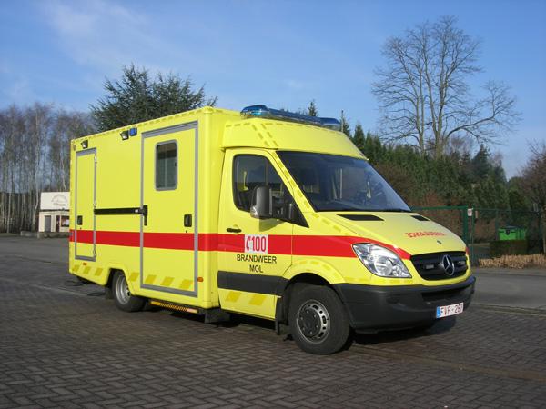 Brandweer Mol ambulance