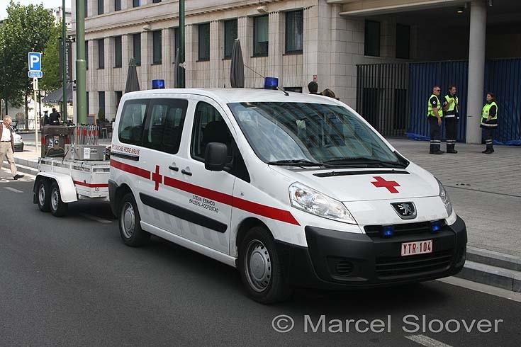 Belgische Rode Kruis Peugeot Expert Tepee