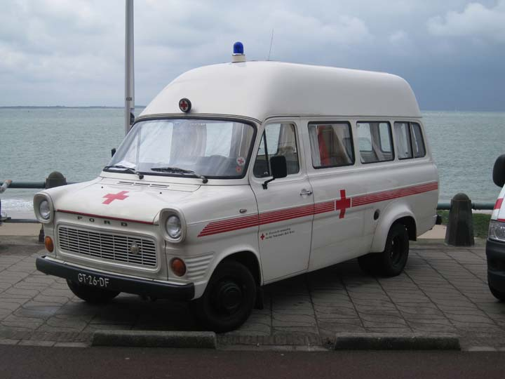 Old Ford Transit Dutch Red Cross