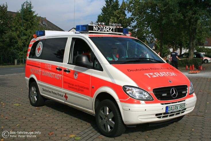 ambulance photos darmstadt emergency doctor 91 82. Black Bedroom Furniture Sets. Home Design Ideas