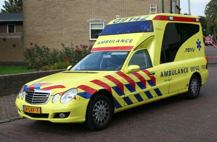 Ambulance Photos Ravu Mercedes Benz E280cdi Ambulance