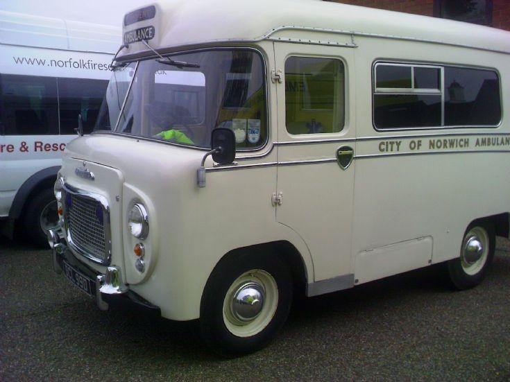 1966 Morris LD/Wadhams Ambulance