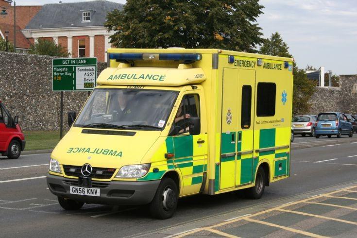 Ambulance photos uk mercedes ambulance in kent for Mercedes benz financial services lienholder address