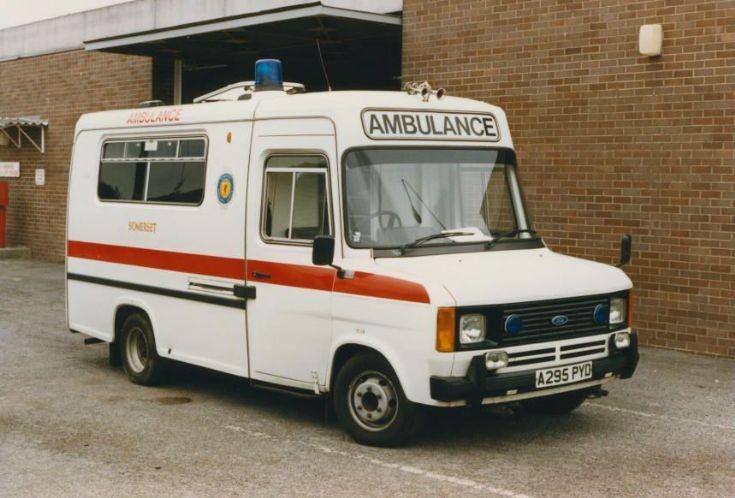 Ambulance Photos Somerset Transit Streerdrive Ambulance
