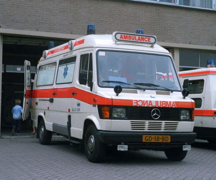 BaGD Delft Mercedes Benz 310D Ambulance