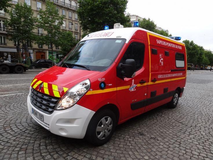 Renault Ambulance Paris FB VSAV 137
