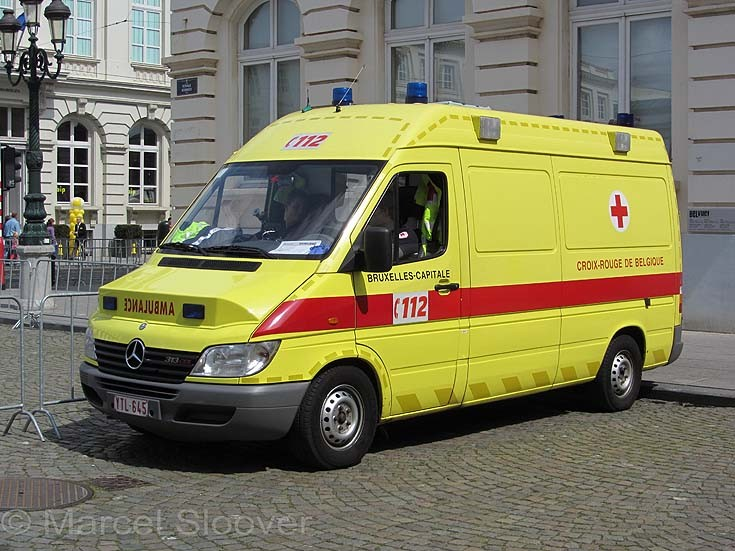 Mercedes Sprinter ambulance YTL645