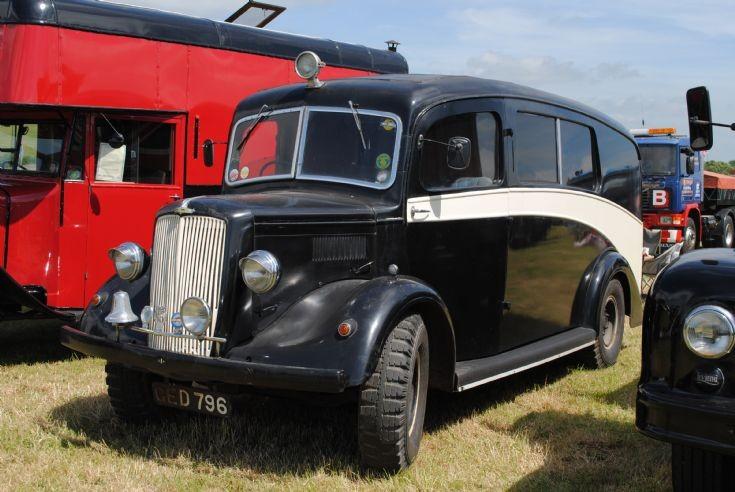Morris Commercial - Ex  Ambulance Age ??