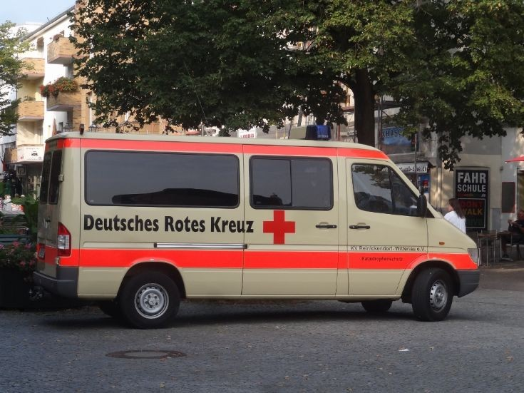 Used sprinter berlin germany autos post for Mercedes benz germany internship