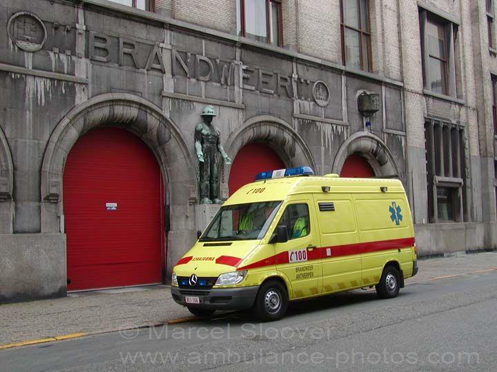 Brandweer Antwerpen Mercedes  Ambulance