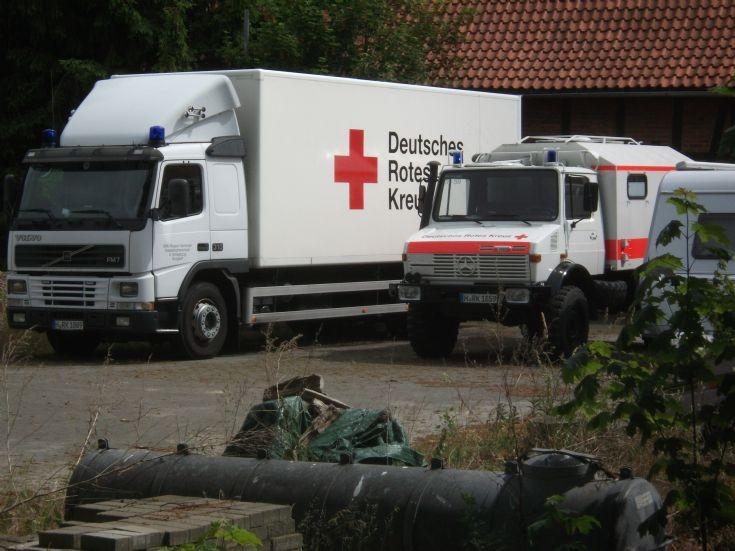 ambulance photos drk hannover volvo. Black Bedroom Furniture Sets. Home Design Ideas