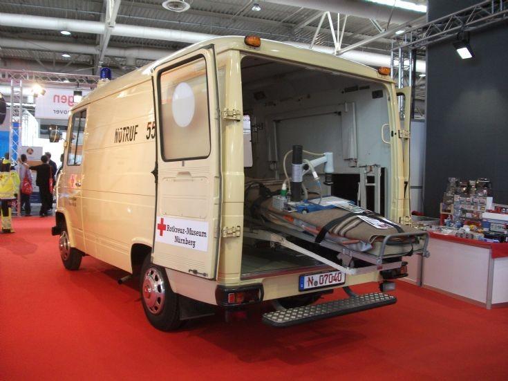 Hannover DRK 408 rear