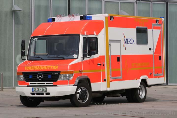 ambulance photos werkfeuerwehr merck mercedes benz rettungswagen. Black Bedroom Furniture Sets. Home Design Ideas