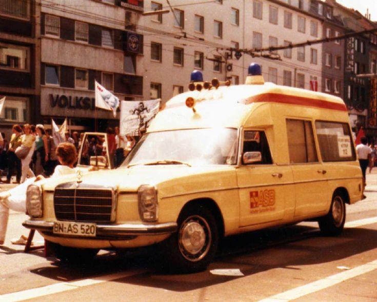 Mercedes Benz 240D ambulance ASB Bonn