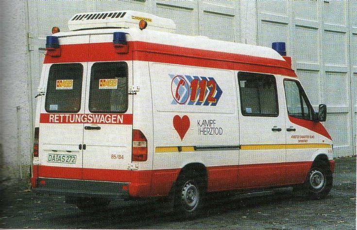 ambulance photos mercedes benz sprinter binz asb darmstadt. Black Bedroom Furniture Sets. Home Design Ideas