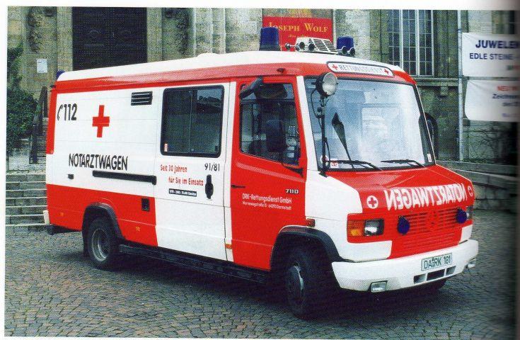 ambulance photos mb vario 711d notartzwagen naw. Black Bedroom Furniture Sets. Home Design Ideas