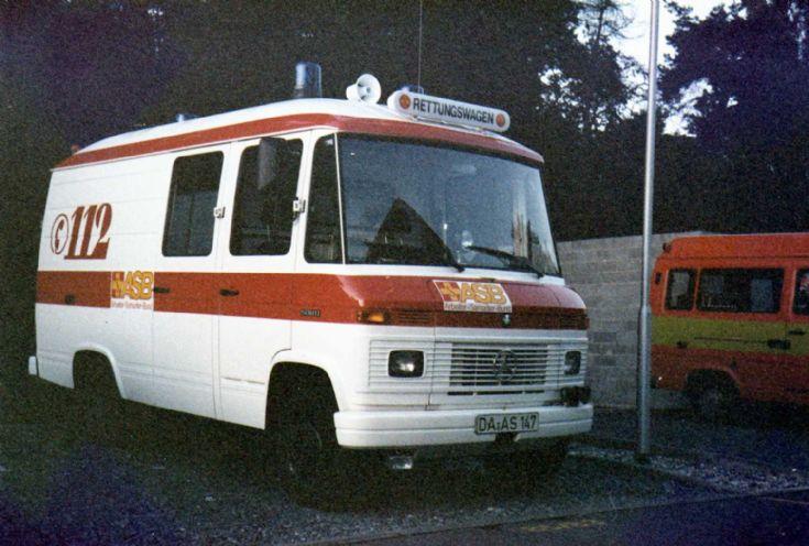 ambulance photos asb darmstadt mercedes 508 ambulance. Black Bedroom Furniture Sets. Home Design Ideas