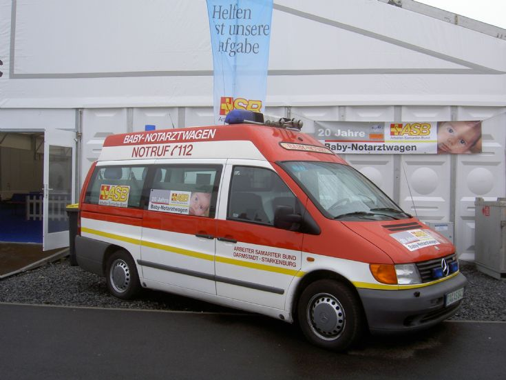 ambulance photos mercedes vito baby micu asb darmstadt. Black Bedroom Furniture Sets. Home Design Ideas